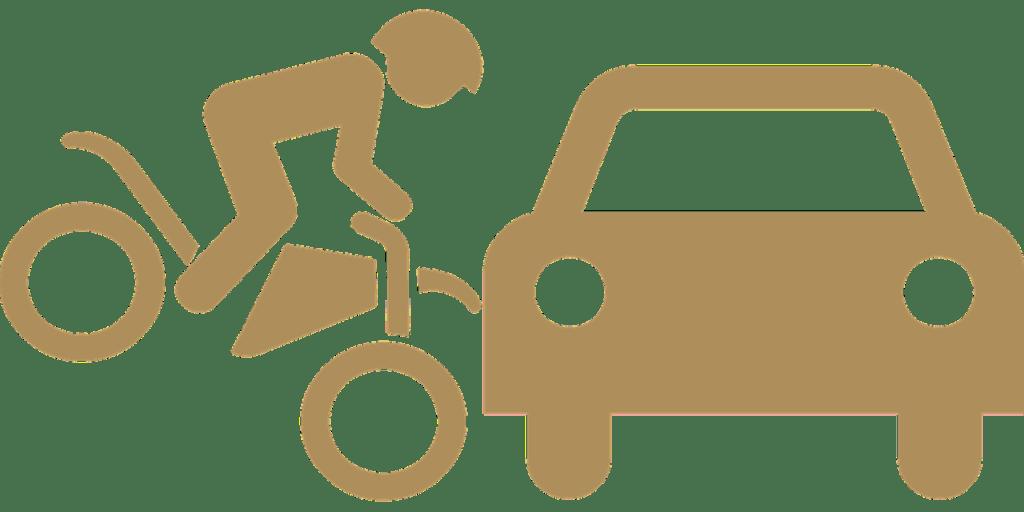 immagine figuarata di sinistro fra auto e moto